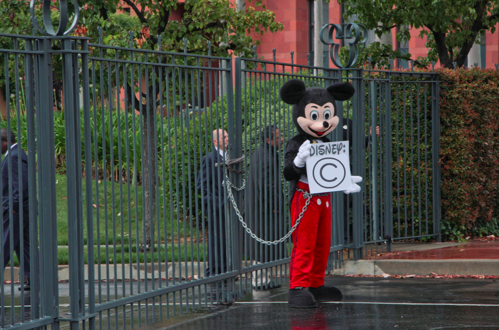 mickey mouse becomes public domain
