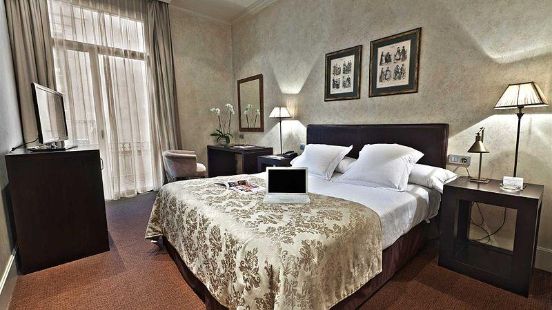 Why do expensive hotels charge for wifi for Luxury hotel room design